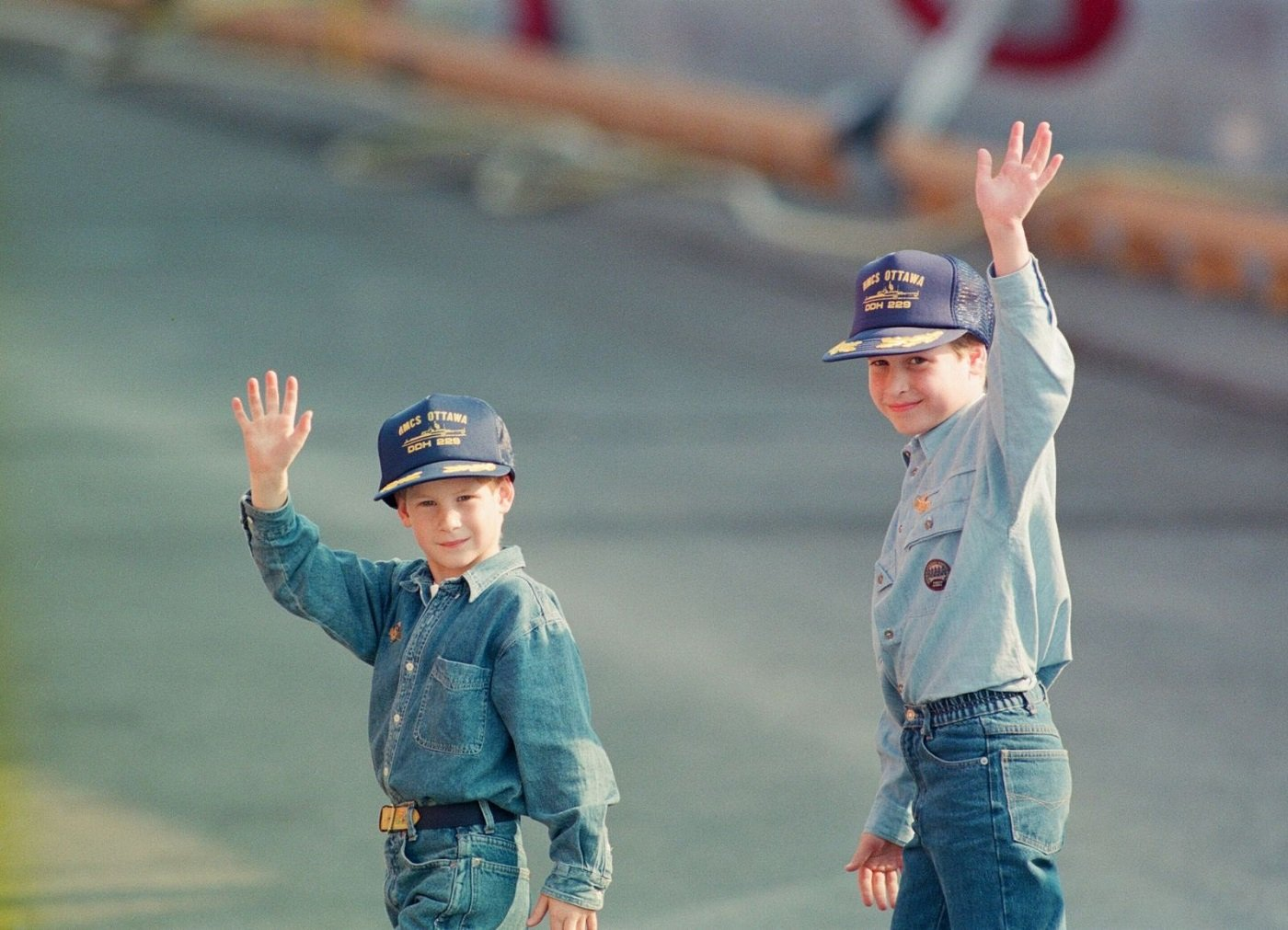 Prince Harry and Prince William during their tour of Canada on October 23, 1991 | Photo: Kent Gavin/Mirrorpix/Getty Images