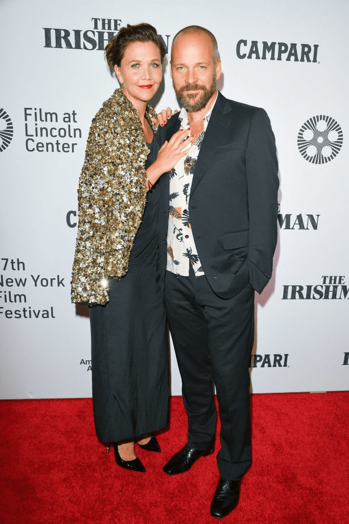 "NEW YORK - 27 SEPTEMBRE : Les acteurs Maggie Gyllenhaal et Peter Sarsgaard assistent à la première de ""The Irishman"" lors du 57e Festival du film de New York au Alice Tully Hall, Lincoln Center, le 27 septembre 2019 à New York. 