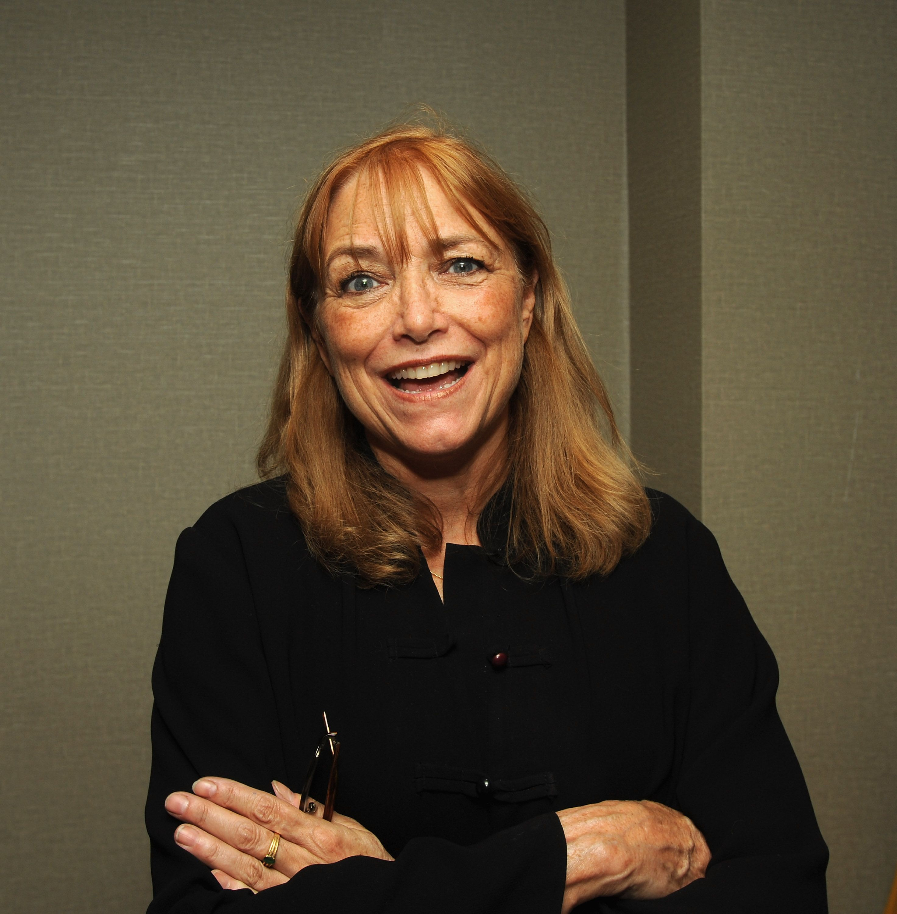 Karen Allen assiste le 08 février 2020 à Santa Monica, en Californie. | Photo : Getty Images
