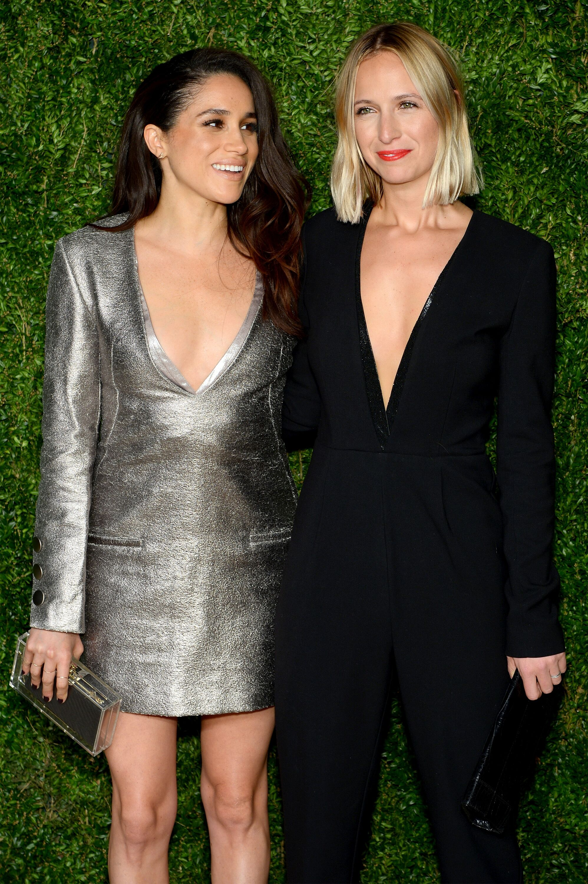 Meghan Markle (à gauche) et Misha Nonoo à la 12ème édition des prix CFDA / Vogue Fashion Fund aux Spring Studios le 2 novembre 2015 à New York | Photo: Getty Images