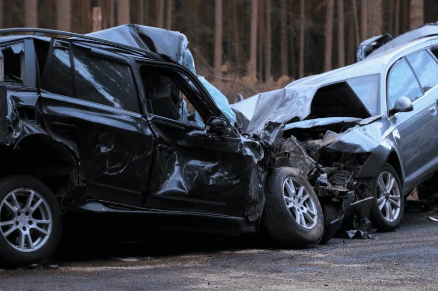 Collision des voitures | Source : Shutterstock