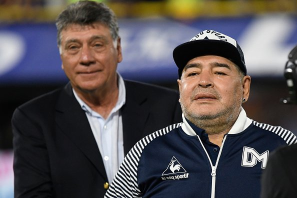 Diego Armando Maradona entraîneur en chef de Gimnasia y Esgrima. |Photo : Getty Images