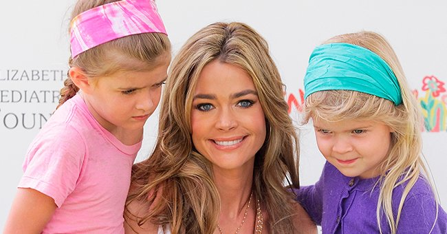 """Denise Richards with her daughters Sami (L) and Lola Sheen (R) at the 21st annual """"A Time For Heroes"""" celebrity picnic on June 13, 2010, in Los Angeles, California   Photo: Noel Vasquez/Getty Images"""