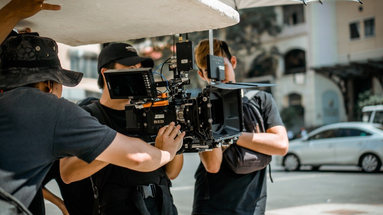 A film crew shooting at a location | Photo: Pexels