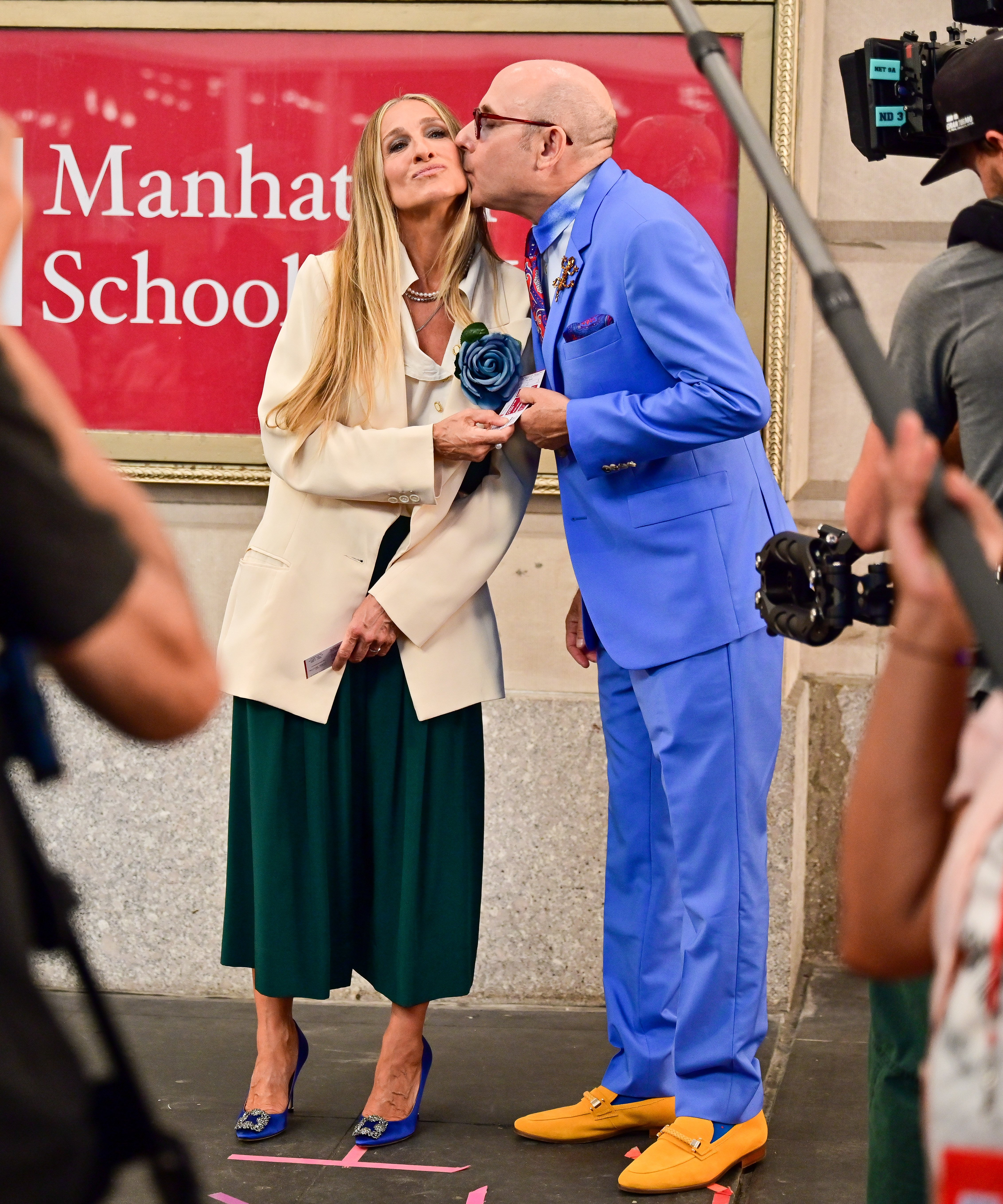 """Willie Garson and Sarah Jessica Parker on the set of """"And Just Like That..."""" at the Lyceum Theatre, NY, July 24 2021 