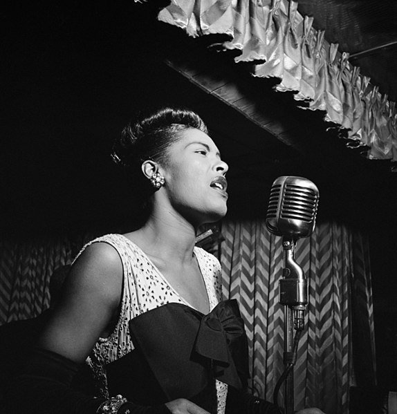 Billie Holiday at the Downbeat club in New York City in 1947 | Source: Wikimedia