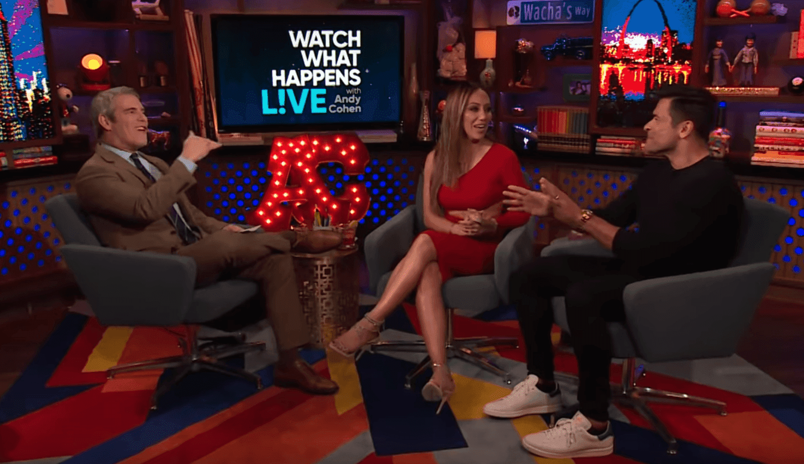 Mark Consuelos reveals how he and his wife got married | Photo: YouTube/Watch What Happens Live with Andy Cohen