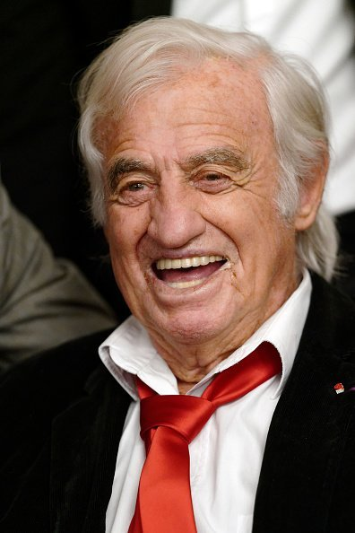 Jean-Paul Belmondo assiste à la cérémonie Golden Gloves Ceremony à Bruxelles, Belgique. | Photo : Getty Images