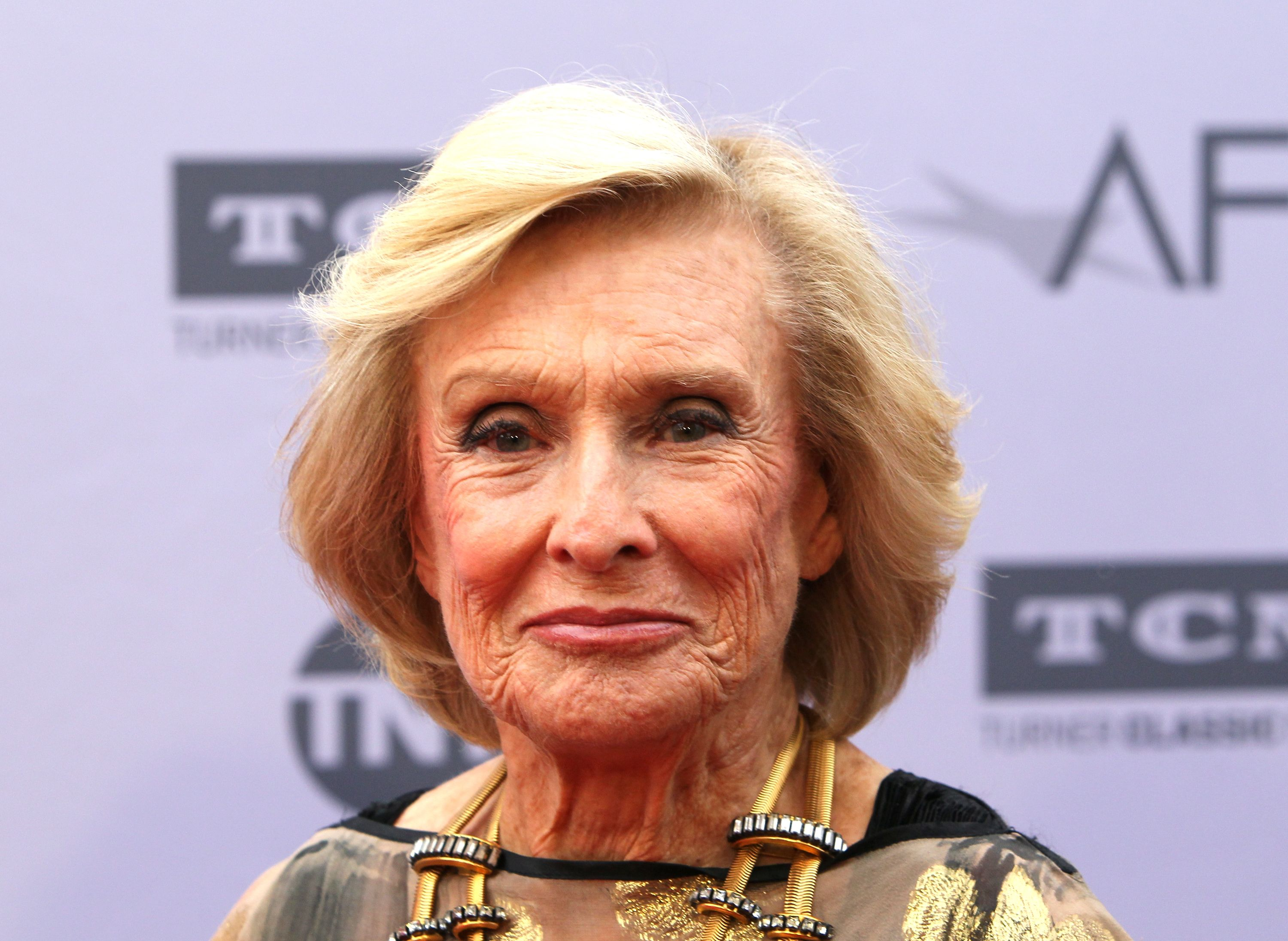 Cloris Leachman at the American Film Institute's 44th Life Achievement Award Gala Tribute to John Williams on June 9, 2016, in Hollywood, California | Photo: David Livingston/Getty Images