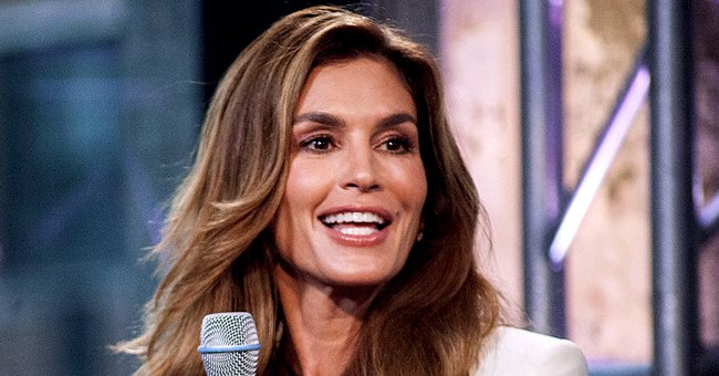 Cindy Crawford Says Her Sisters Called Her Iconic Upper Lip Mole an Ugly Mark