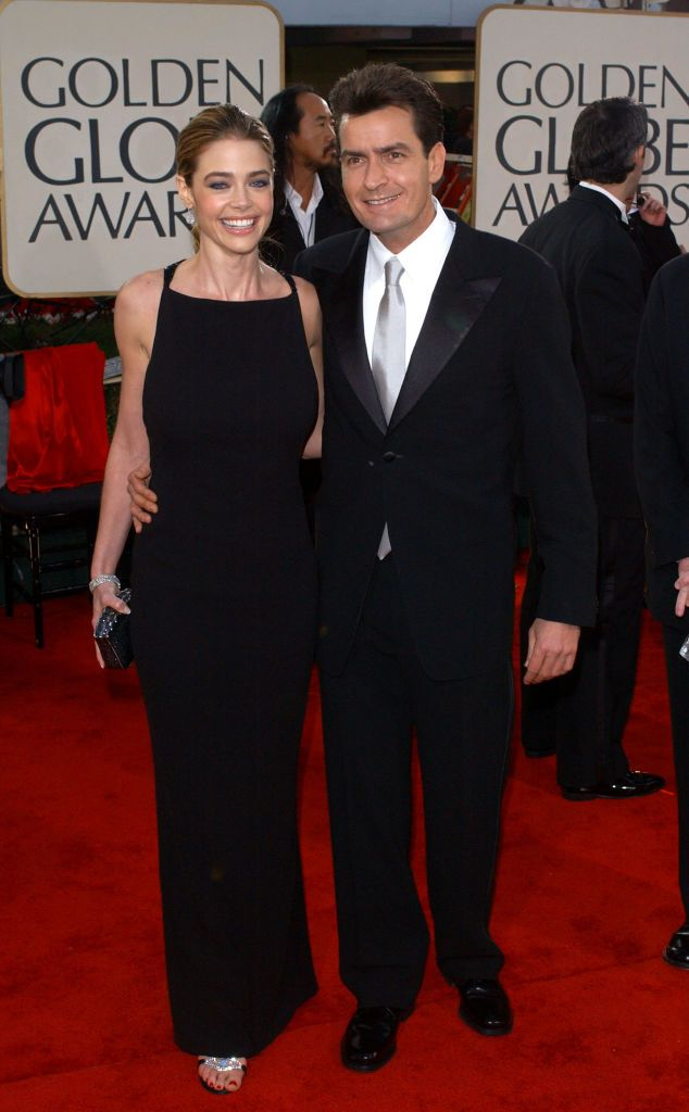 Denise Richards and Charlie Sheen at the 59th Annual Golden Globe Awards at the Beverly Hilton Hotel on January 20, 2002, in Beverly Hills, California | Photo: Vince Bucci/Getty Images