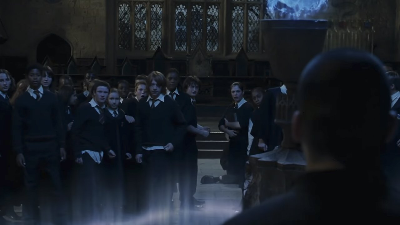 Image credits: Warner Bros/Harry Potter (Youtube/Looper)