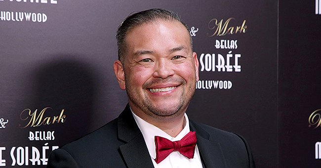 Jon Gosselin, His Girlfriend & Their Kids Look Happy in Christmas Pic, Wearing Matching Outfits