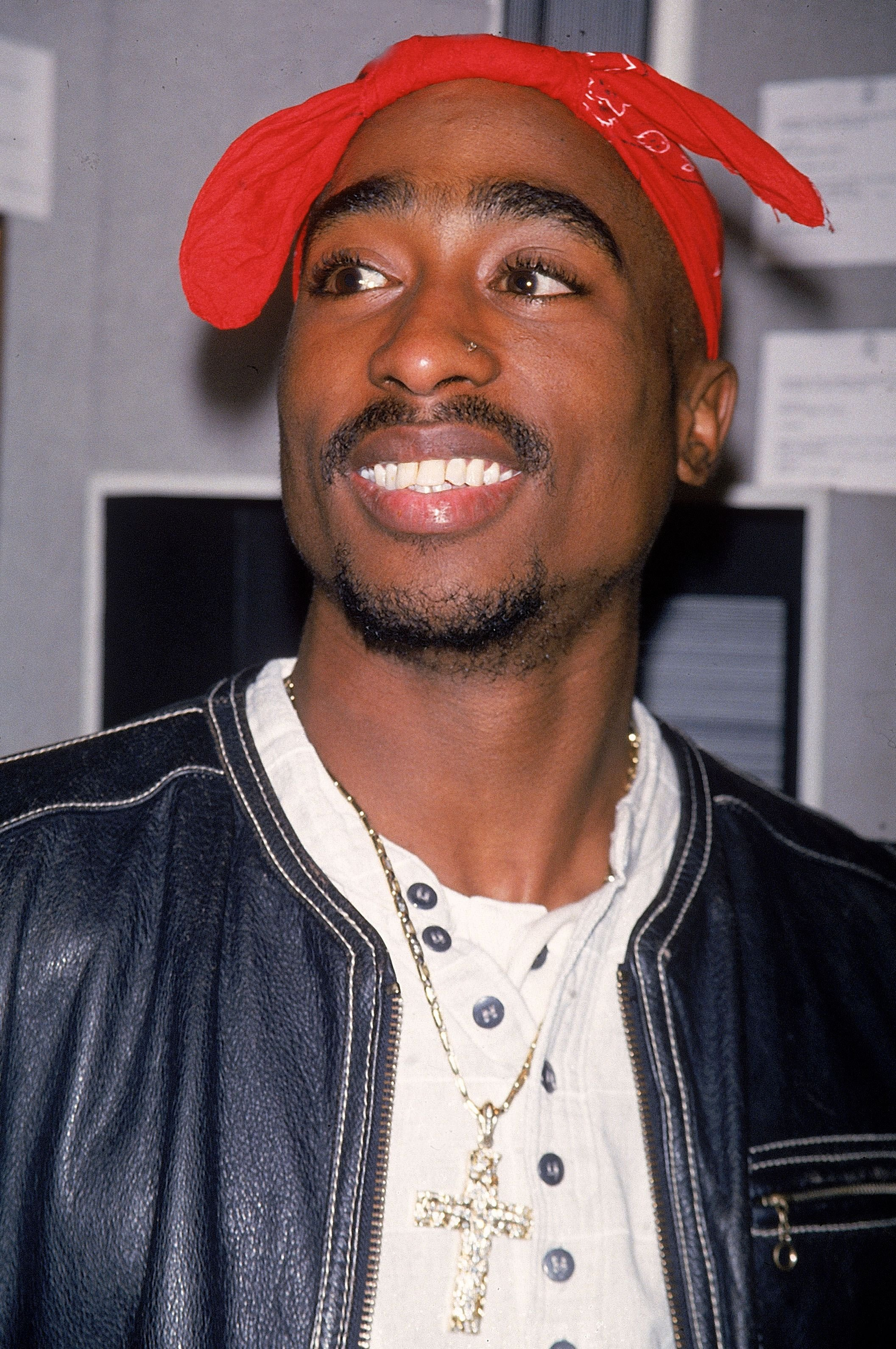 Tupac Shakur at the Benefit Auction For the Intercambios Culturales Project For El Salvador in November 1994.   Photo: Getty Images