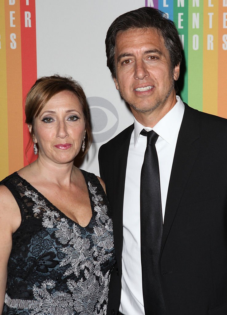 Anna Romano & Ray Romano attending the 35th Kennedy Center Honors at Kennedy Center in Washington, D.C. on December 2, 2012 | Photo: GettyImages