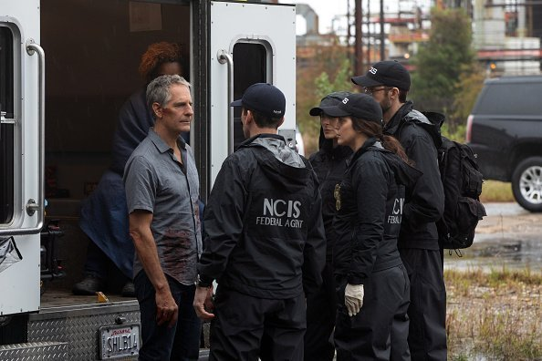 Pride and the NCIS team on the set of  NCIS: NEW ORLEANS,  which airs on the CBS Television Network | Photo: Getty Images