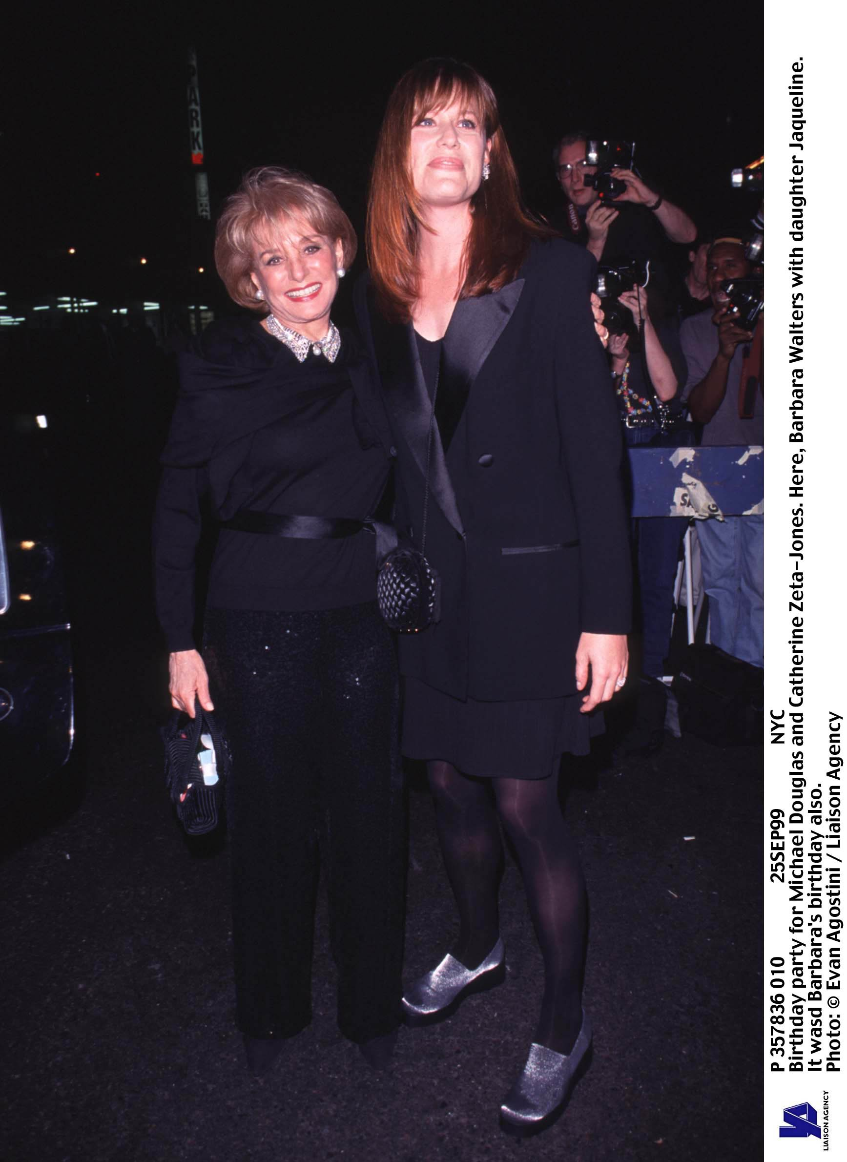 Barbara Walters and daughter Jaqueline at a birthday party for Michael Douglas and Catherine Zeta Jones, September 25, 1999 | Photo: GettyImages