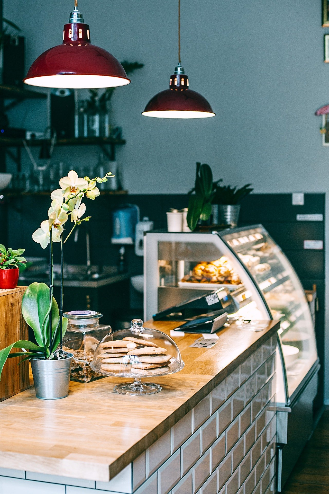 Mia opened her own bakery after saving for years.   Source: Pexels