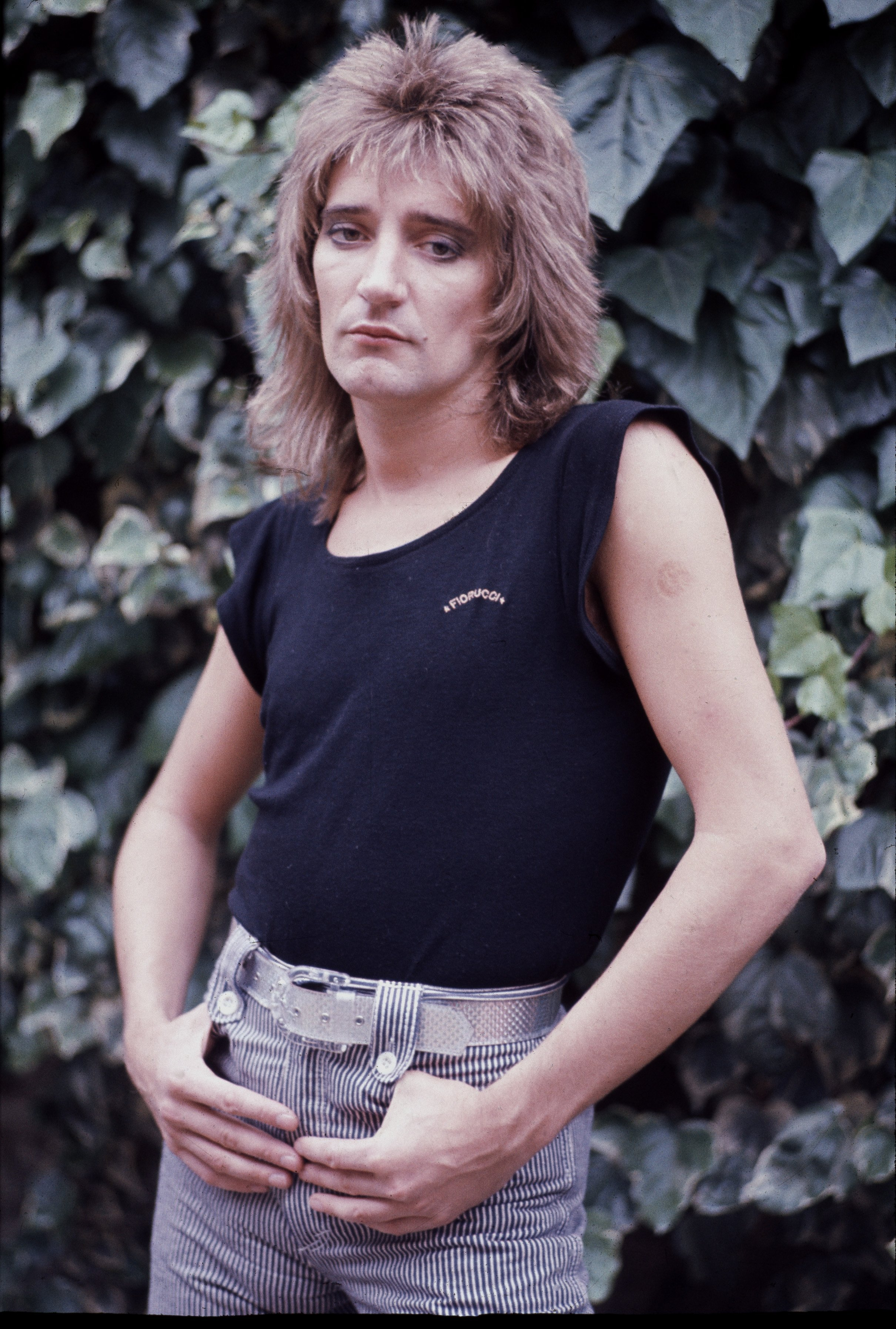 Rod Stewart at his home in London, 17th June 1976 | Photo: GettyImages