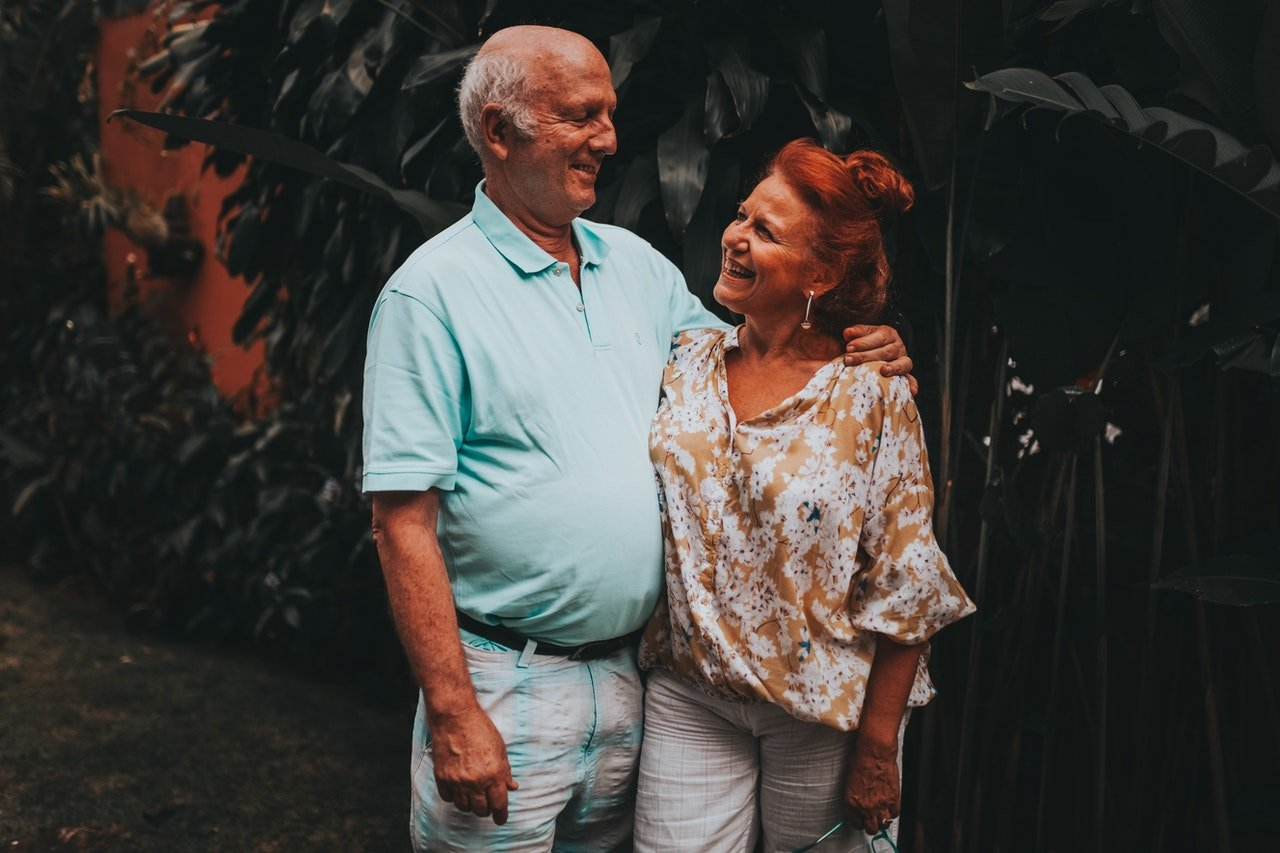 Couple Smiling at Each Other by Matheus Bertelli| Photo: Pexels