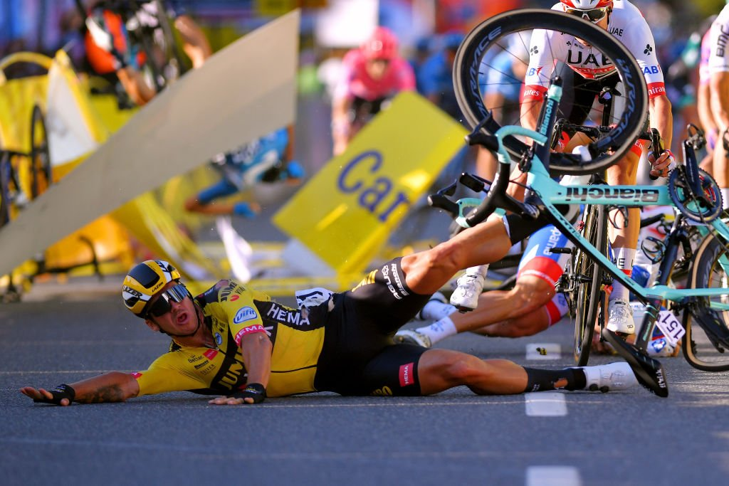 La terrible chute de Fabio Jakobsen lors du Tour de Pologne le 5 août 2020 | Photo : Getty Images