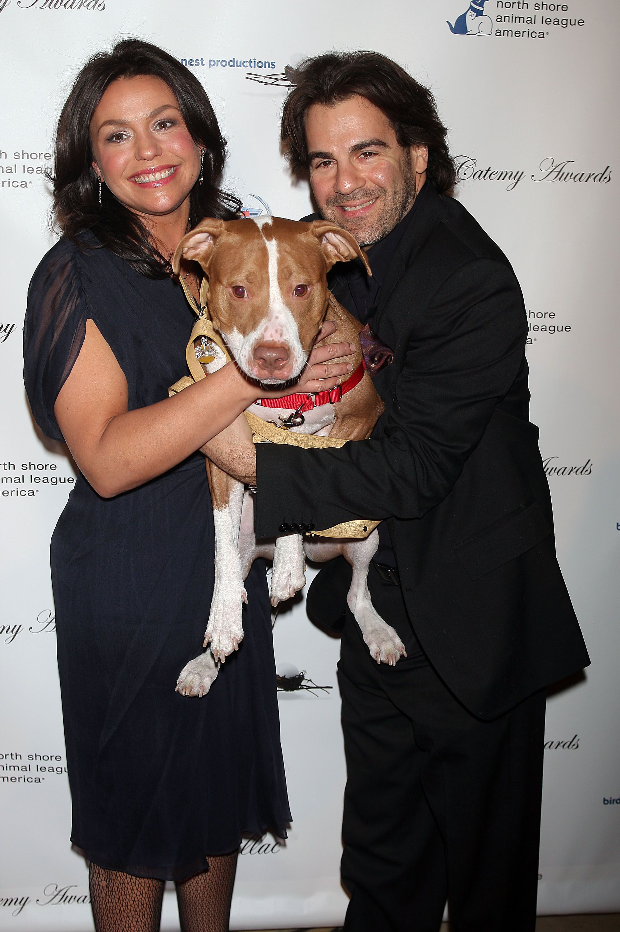 y Rachael Ray and John Cusimano and their dog Isaboo at the North Shore Animal League America's 2nd annual DogCatemy Awards in 2007 in New York | Source: Getty Images