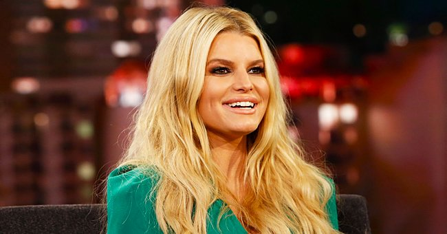 Jessica Simpson Shows off Her Stunning Figure in Christmas Photo — and Tells a Hilarious Story