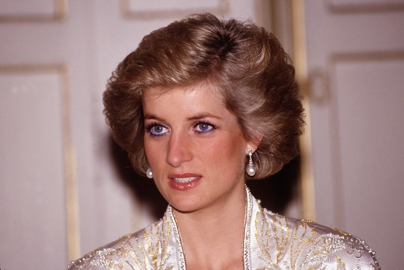 Diana Princess in November, 1988 at the Elysee Palace in Paris, France   Photo: Getty Images