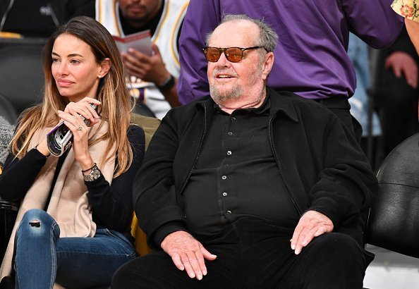 Jack Nicholson attends a basketball game between the Los Angeles Lakers and the Golden State Warriors on April 04, 2019 | Photo: Getty Images