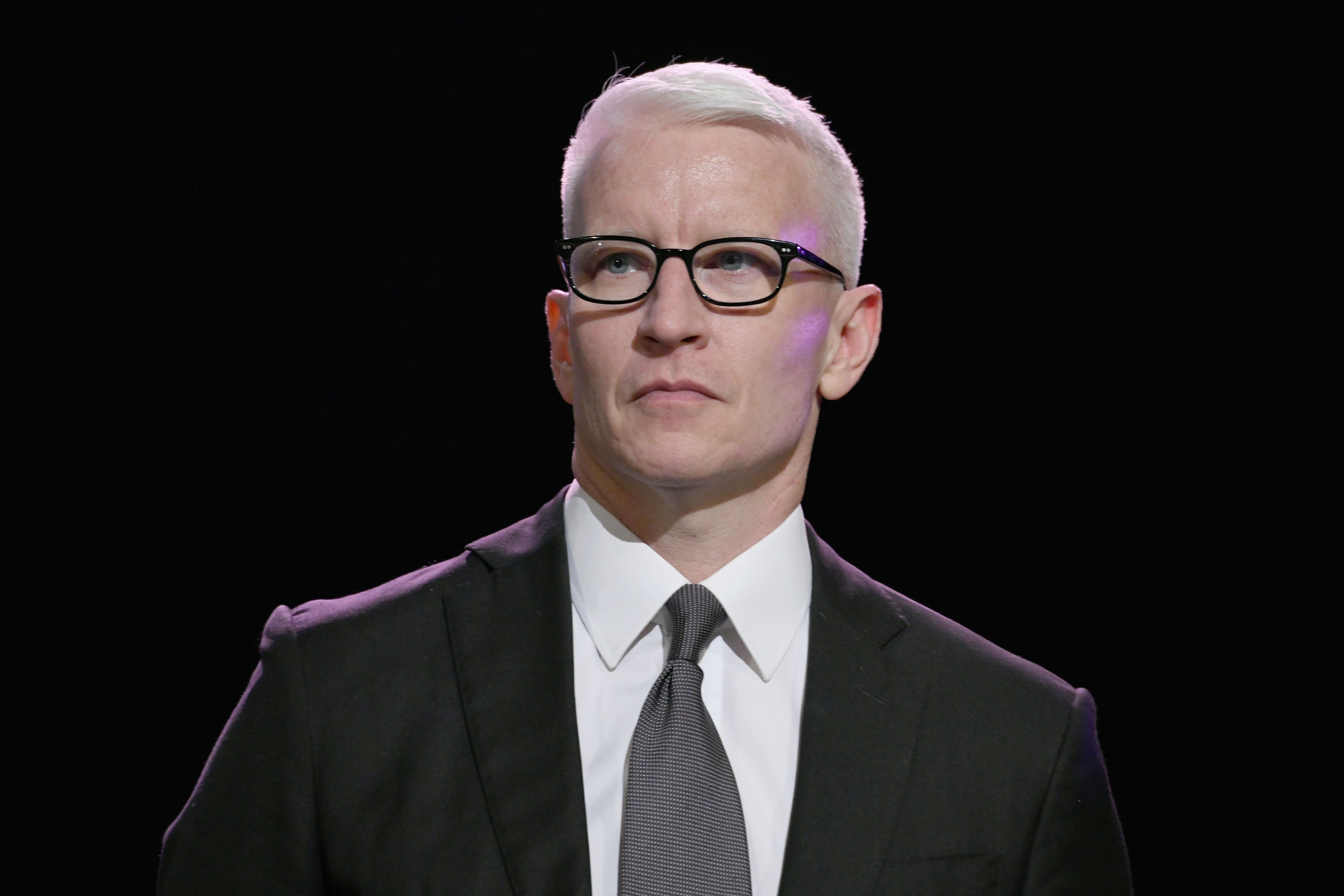 Anderson Cooper at the Sean Penn CORE Gala benefiting the organization formerly known as J/P HRO & its life-saving work across Haiti & the world at The Wiltern on January 5, 2019   Photo: Getty Images