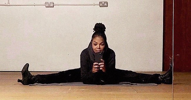 Janet Jackson Shows off How Flexible She Is Sitting On a Transverse Twine in High Heels