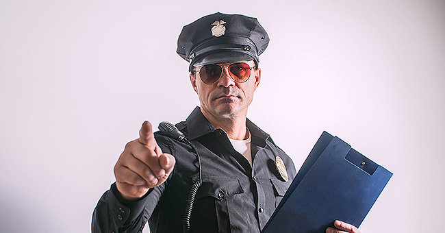 Daily Joke: Police Officer Tries to Arrest a Six-Foot-Tall Man at the Bar