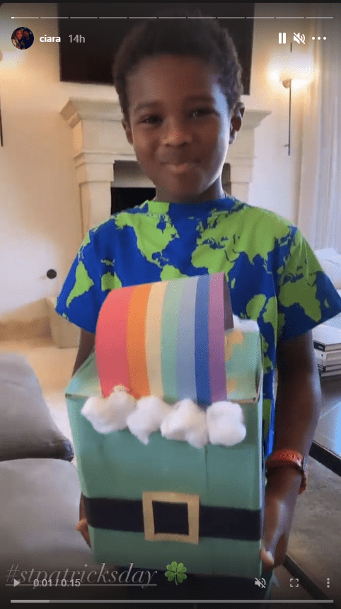 Ciara's son, Future Zahir, seen holding a colorful box during the St. Patrick's Day celebration | Photo: Instagram.com/ciara