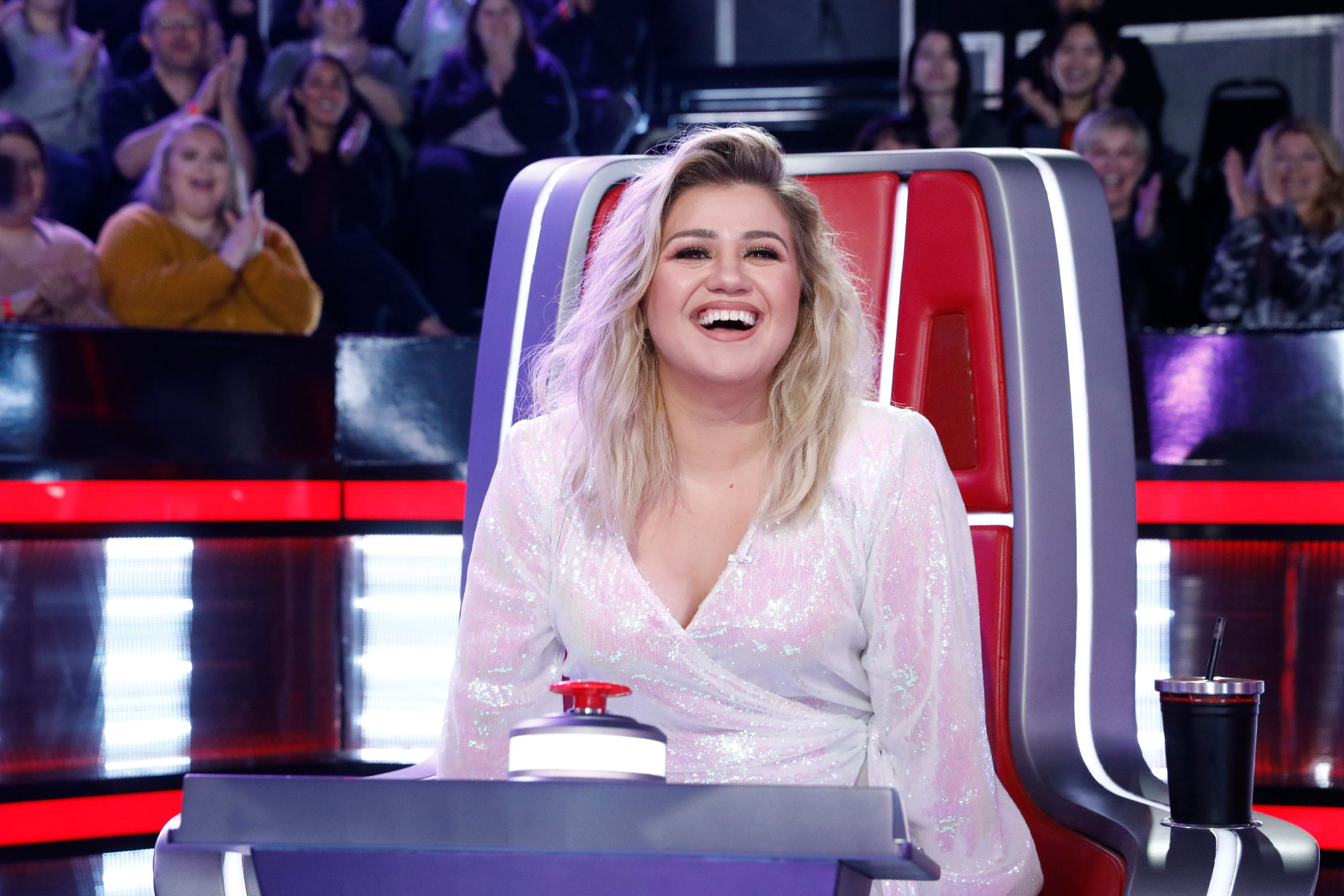 "Kelly Clarkson at THE VOICE -- ""Knockout Rounds"" Episode 1810 on January 27, 2020 
