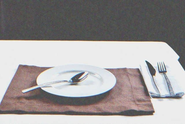 I refused to make dinner for my son after he misbehaved | Photo: Shutterstock