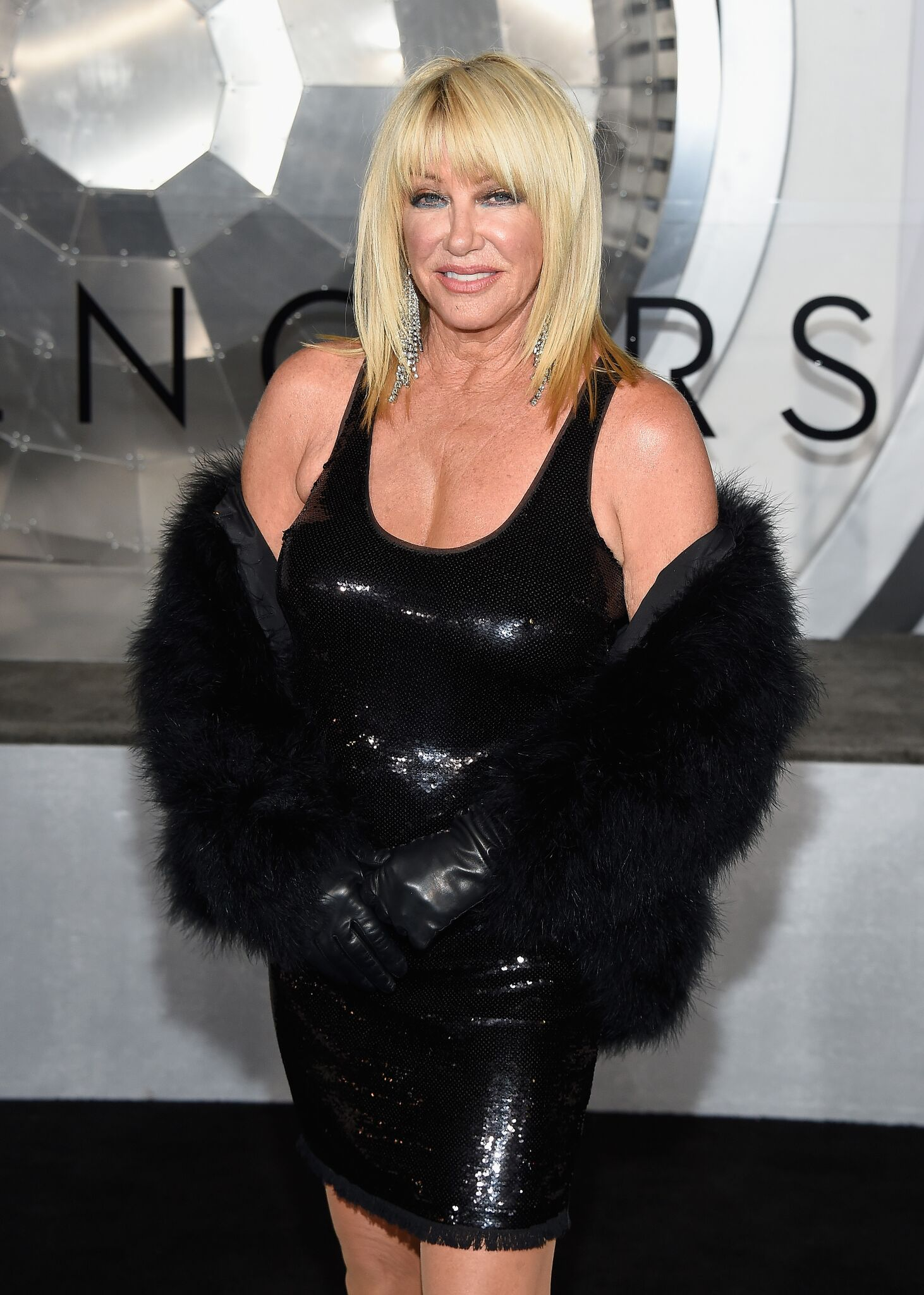 "Suzanne Somers at the premiere of Columbia Pictures' ""Passengers"" 