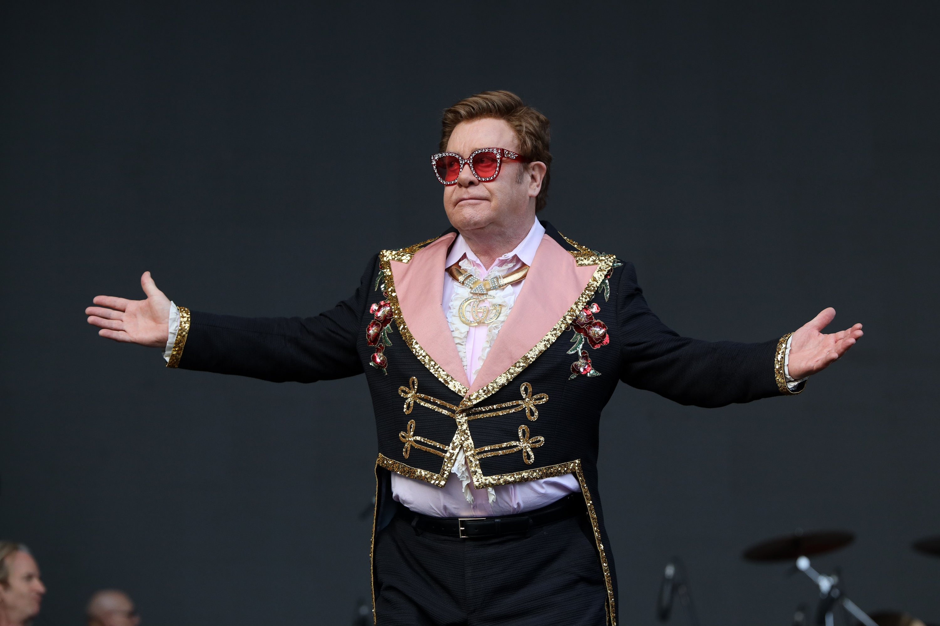 Sir Elton John apoligizing to this fans for cutting the show short at Mt Smart Stadium on February 16, 2020 in Auckland, New Zealand   Photo: Dave Simpson/WireImage