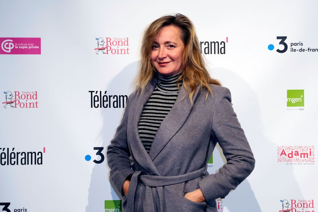 L'actrice Julie Ferrier assiste à la deuxième remise des prix Topor au Théâtre du Rond Point le 15 avril 2019 à Paris, France. | Photo : Getty Images