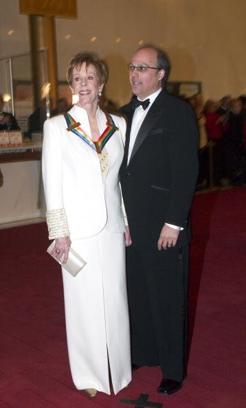 Carol Burnett and Brian Miller at the Kennedy Center Honors December 7, 2003 in Washington, DC. | Photo: Getty Images