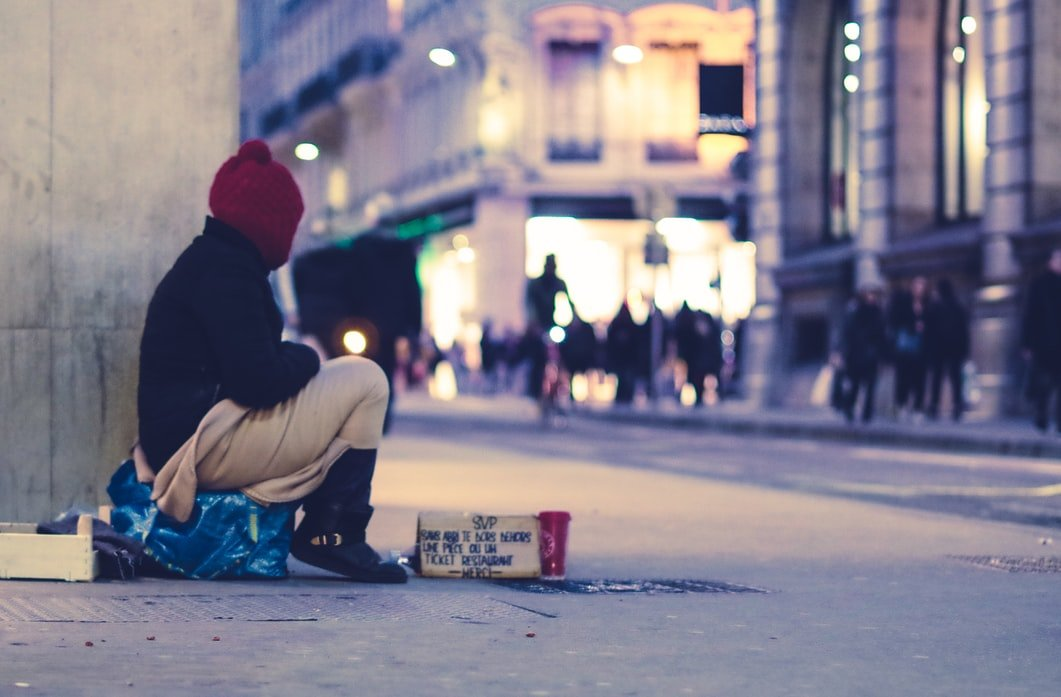 I found a homeless woman who looked like my mother. | Source: Unsplash
