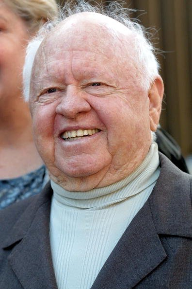 Mickey Rooney assiste au 5e Festival international du film latino de Los Angeles| Source : Getty Images.