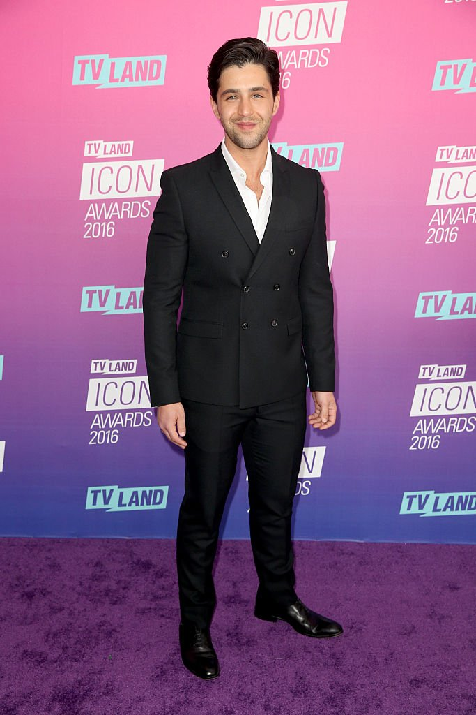 Josh Peck attends 2016 TV Land Icon Awards at The Barker Hanger on April 10, 2016 in Santa Monica, California   Photo: Getty Images