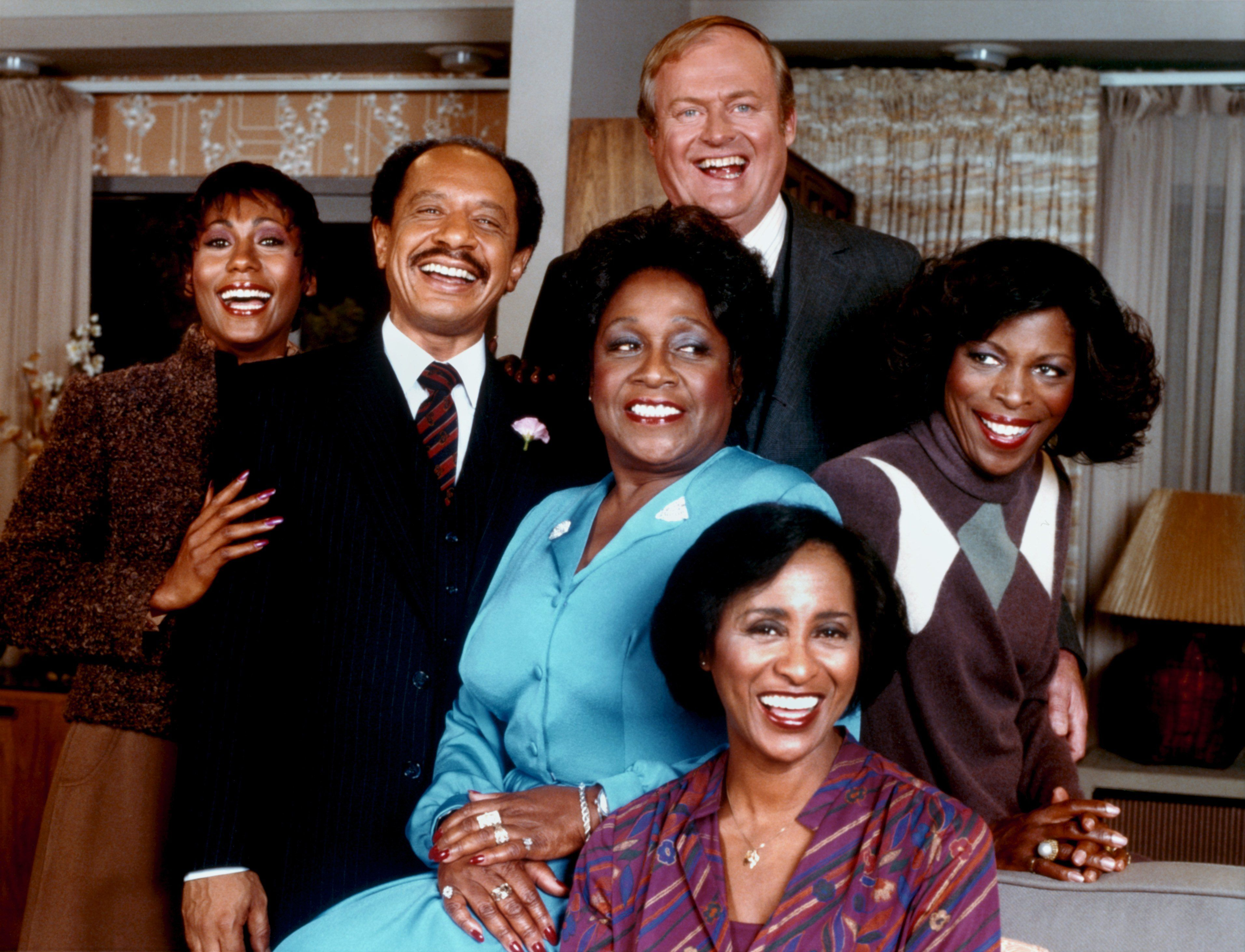The cast of the Jeffersons in 1975. |Photo: Getty Images