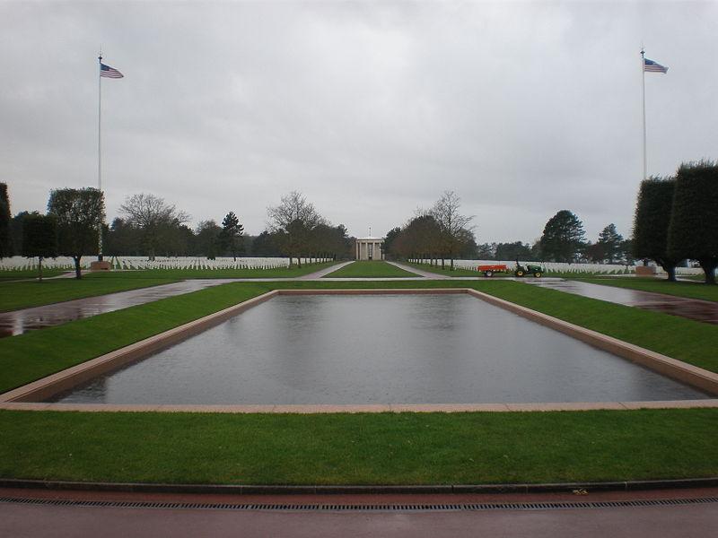 Magnifique vue du cimetière américain de Colleville-sur-Mer, dans le Calvados. | Wikimedia Commons
