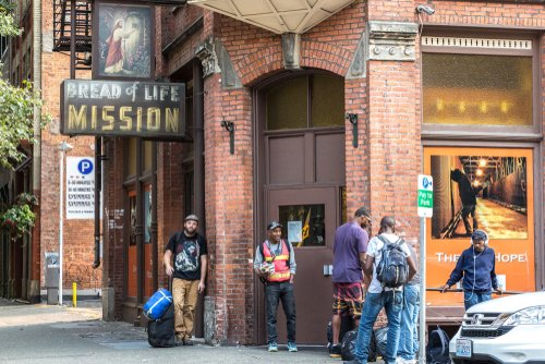 Refugio de personas sin techo │Imagen tomada de: Shutterstock