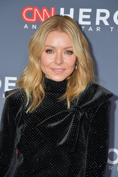 Kelly Ripa at CNN Heroes at the American Museum of Natural History on December 08, 2019 | Photo: Getty Images