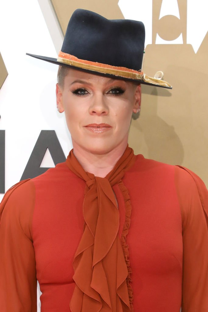 P!nk attends the 53nd annual CMA Awards at Bridgestone Arena on November 13, 2019 in Nashville, Tennessee | Photo: Getty Images