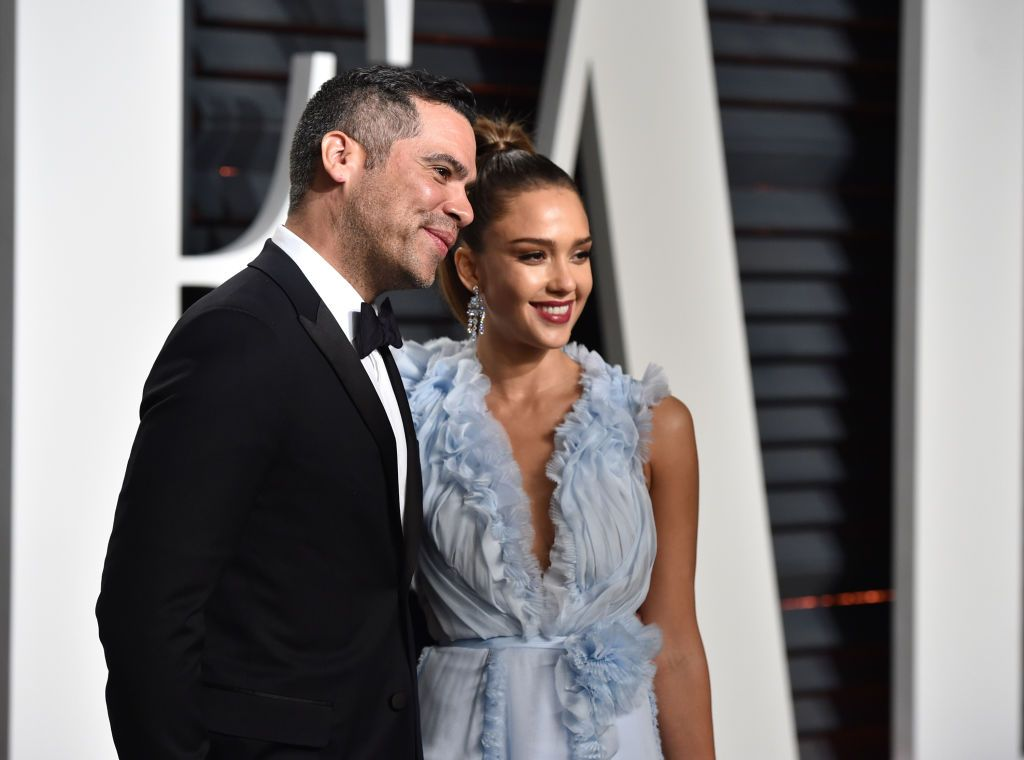 Cash Warren and Jessica Alba at the 2017 Vanity Fair Oscar Party hosted by Graydon Carter on February 26, 2017 | Photo: Getty Images