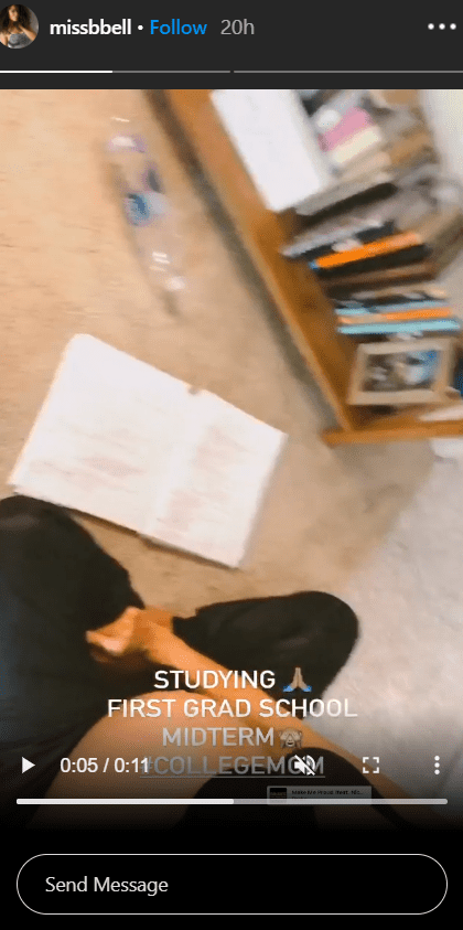 Brittany Bell showing off her books while studying. | Photo: Instagram/Missbbell
