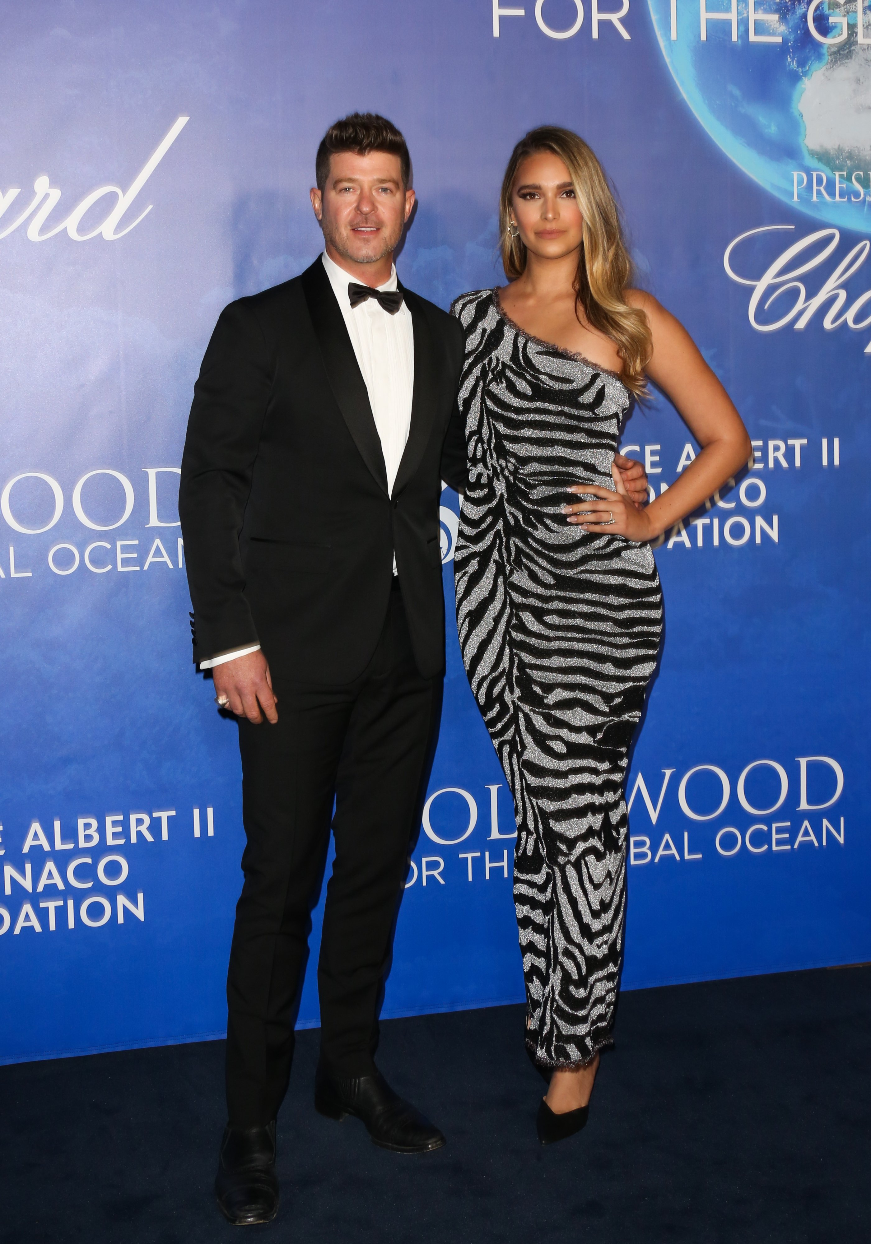 Robin Thicke and his fiance, April Love Geary at the Hollywood for the Ocean Gala in Beverly Hills, October, 2020.   Photo: Getty Images.